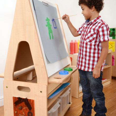 A0061C Easel with trolley 3