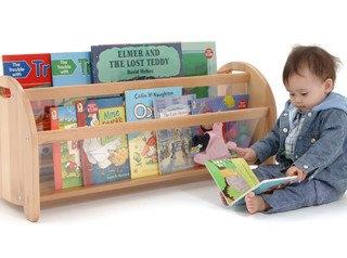 BabyBookBoxwithChild