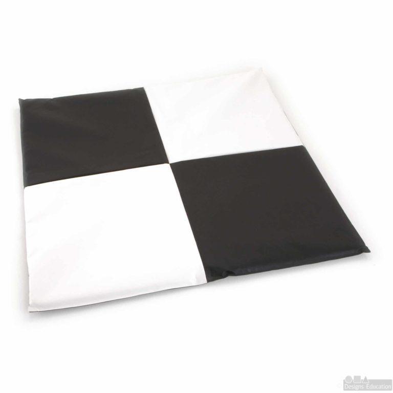 black and white mat new web